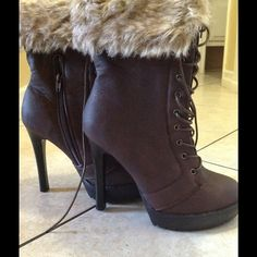 Brown winter heel boots 4 inch heel , pleather laced boots , side zipper and middle zipper for opening, can unfold top of boots to make them longer ,they sit above the ankle BRAND NEW , Never Used Shoes Heeled Boots