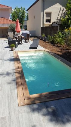 Mini pool with exotic wood coping and tiled terrace and spiral staircase. Small Backyard Pools, Backyard Pool Designs, Small Pools, Swimming Pools Backyard, Swimming Pool Designs, Pool Landscaping, Pergola Designs, Mini Pool, Mini Swimming Pool