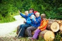 Families stay with children: http://vsemina.cz/rodinna-dovolena/celorocni-pobyt-s-detmi