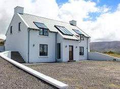 The High Field - Contemporary and stylish, detached cottage near the harbour town of Cahersiveen. Sea views towards Valentia Island. Cottage Porch, Shades Of Green, Exterior Design, Building A House, House Plans, Shed, New Homes, Outdoor Structures, Mansions