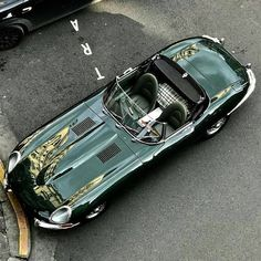 Throughout the early stages of the Jaguar XK-E, the lorry was supposedly planned to be marketed as a grand tourer. Changes were made and now, the Jaguar … Luxury Sports Cars, Sport Cars, Bmw Classic Cars, Classic Sports Cars, Jaguar E Type, Jaguar Cars, Retro Cars, Vintage Cars, Suv Bmw