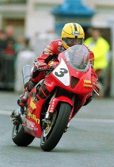 Racing Motorcycles, Motorcycle Bike, Isle Of Man Tt, Eddie Lawson, Gp Moto, Motorbike Parts, Triumph Daytona 675, Custom Metal Fabrication, Road Racing