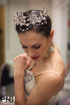 Rachel Foster being fitted for PNB's Sleeping Beauty Photos: Lindsay Thomas Ballerina Dancing, Ballet Tutu, Sleeping Beauty Ballet, Ballet Hairstyles, Ballet Images, Beautiful Costumes, Tiny Dancer, Ballet Beautiful, Ballet Costumes