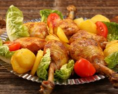 Delicious fried chicken with vegetables Stock Photo Chicken Potatoes, Vegetable Stock, Carne, Fried Chicken, Fries, Oven, Meat, Vegetables, Ethnic Recipes