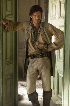 Photo gallery featuring images from the show for Black Sails, a STARZ Original Series. Larp, Pirate Garb, Pirate Jacket, Pirate Cosplay, Black Sails Starz, Calico Jack, Golden Age Of Piracy, Captain Flint, Movie Costumes