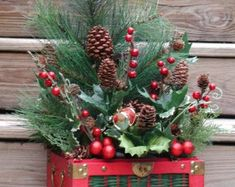 Handmade Home Decor & Gifts by rrdesigns561 on Etsy Christmas Tops, Christmas Baskets, Christmas Wreaths, Christmas Clay, Etsy Christmas, Christmas Crafts, Top Hat Centerpieces, Valentine Baskets, Painted Pinecones