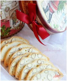 Bielkový suchár | NajRecept.sk Christmas Goodies, Christmas Baking, Christmas Recipes, Cookies Et Biscuits, Camembert Cheese, Food And Drink, Pie, Bread, Cooking