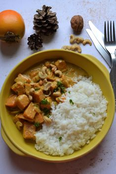 Roasted butternut squash curry coconut milk # vegetarian - Hum, it smells good . - Roasted Butternut Squash Curry Coconut Milk – Um, it smells good … - Healthy Recipes On A Budget, Healthy Meal Prep, Healthy Breakfast Recipes, Dinner Healthy, Healthy Snacks, Vegetarian Curry, Vegetarian Recipes Dinner, Veggie Recipes, Vegetarian Lunch
