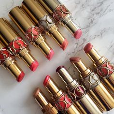 bergdorfprincess:   Feeling like red lipstick... | C'est beau la bourgeoisie