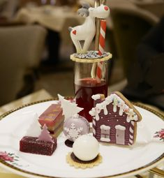 A review of the Top 2016 Festive Afternoon Tea at the Palm Court, Langham Hotel, London - a stunning Asprey Inspired afternoon tea in London
