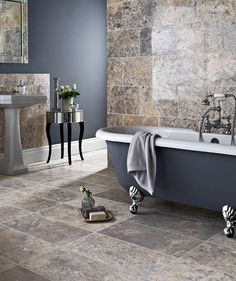 Aurelius™ Silver Travertine Honed 61x30.5 Tile | Topps Tiles