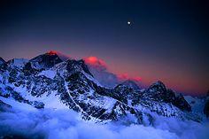 Moon over Everest, Lhotse and Makalu at sunset from Gokyo Ri (17,520 ft.), Khumbu Himal (Nepal, 1998) - Galen Rowell