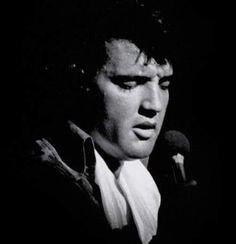 Elvis on stage at the Las Vegas Hilton, August 1972.