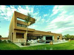 Villa de luxe en R1 sur 1200 m;  Résidence de Luxe:  5 suites réception  cuisine équipée.  Joli patio de 20 m  Surface RDC de 237m.  Terrasses à létage de 149 m   Jardin  Piscine.  Prestigieux resort..  Site web :  http://ift.tt/2ePG28a