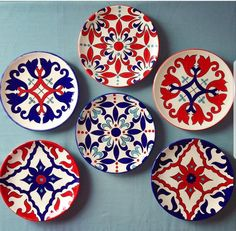 [New] The 10 Best Home Decor (with Pictures) - طرح قابل اجرا دیوار کوب divarkob Painted Ceramic Plates, Hand Painted Ceramics, Decorative Plates, Dot Art Painting, Ceramic Painting, Ceramic Art, Pottery Painting Designs, Pottery Designs, Blue Pottery