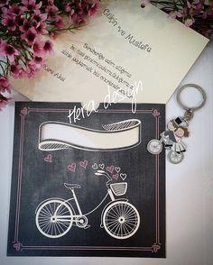 Davetiyelerinizle uyumlu nikah hediyeleri... #heradesign #özeltasarım #nikahhediyelikleri #nikahşekeri #nikah #düğün #nişan #wedding #weddingfavors #lavanta #lavantakesesi #lavenderbag #lavender #vintage #kokulukeseler #elitedavetiye #davetiyemodelleri #invitation #card #anahtarlık #gelindamat#bridegroom