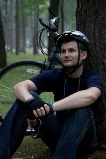 One of the key ways to engage with non-seeking outsiders is through a mutual interest or personal need. Hobby websites are therefore a great way to create redemptive relationships. Here's the story of a cycling blog by Daniel.