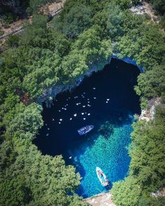 Aerial view of Melissani Cave in Kefalonia! Places To Travel, Places To Visit, Thasos, Rock Pools, Enjoy Your Life, Thessaloniki, Crete, Greek Islands, Paisajes