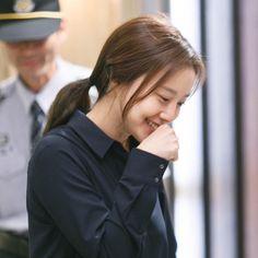 출처:나무액터스 네이버 포스트 냥이처럼 저 손 넘나 깜찍해 #크리미널마인드 #문채원 #CriminalMinds #MoonChaeWon Korean Wave, Korean Star, Criminal Minds 2017, Yong Pal, Lee Bo Young, Ideal Girl, Bridal Mask, Yoo Ah In, Joo Won