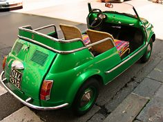 *green car* Are those wicker seats? Mean Green, Green Day, Go Green, Green Colors, Green Eyed Monster, Fiat 500, Retro Cars, Shades Of Green, Cool Stuff