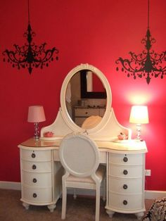 I have almost this exact same vanity and mirror... My husband would kill me if I painted it....:(
