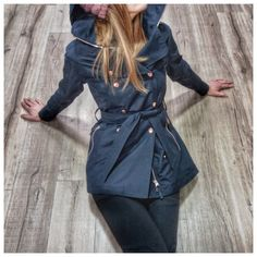 Stylish ladies trench coat. Helly Hansen Welsey Trench Coat. Stylish and practical. Smart workwear.