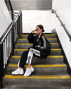 34 ideas for sport fashion adidas outfit Athleisure Fashion, Athleisure Outfits, Sporty Outfits, Mode Outfits, Fitness Outfits, Fashion Outfits, Fashion Ideas, Fashion Clothes, Workout Outfits