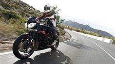 First Ride Review - 2013 Street Triple R.  Scathingly HOT!
