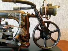 Recycled Metal Art, Scrap Metal Art, Sculpture Art, Sculptures, Sewing Machine Tables, Vintage Sewing Machines, Junk Art, Vintage Motorcycles, Welding Projects