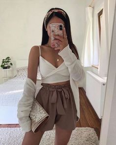 25 cute summer outfits for women and teen girls 18 Crop Top Outfits, Mode Outfits, Girly Outfits, Outfits For Teens, Pretty Outfits, Airport Outfits, Cute Summer Outfits, Cute Casual Outfits, Stylish Outfits