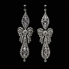 Earrings      Place of origin:      Portugal (made)     Date:      1780-1800 (made)
