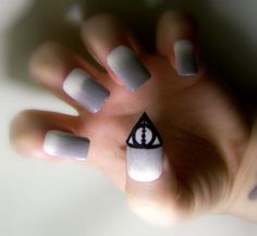 nail art 12 Crazy pop culture nail art (16 photos)