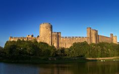 Pembroke Castle | Attribution: Monkeyrustler, Wikimedia Commons, CC0 1.0 | #Tags: Castles, Best Of British, Quintessentially British, Great Britain, United Kingdom