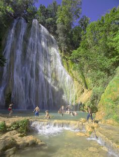 El Limón Waterfall