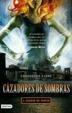 """""""Cazadores de Sombras 1: Ciudad de Hueso"""" by warkcrm - """"En el Pandemonium, la discoteca de moda de Nueva York, Clary sigue a un atractivo chico de pelo azul…"""""""