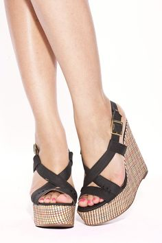 Foreign Exchange :: WOMEN :: SHOES :: WEDGES :: BLACK STITCHED STRAW WEDGES