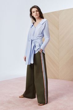 See the complete Tanya Taylor Resort 2018 collection.