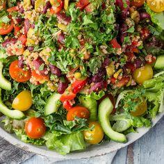Kvinoa-papusalaatti   Yhteishyvä Cobb Salad, Food, Essen, Meals, Yemek, Eten
