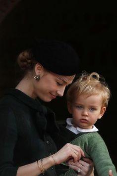 Royal Brides, Royal Weddings, Grace Kelly, Caroline Von Monaco, Beatrice Borromeo, Monaco Royal Family, Old Money, Candid Photography, Mother And Child