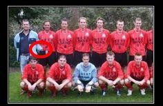 Trener dotyka jajek piłkarza • Śmieszne obrazki w sieci • Trener piłkarski z ręką w cudzych spodenkach • Wejdź i zobacz więcej >> #football #soccer #sports #pilkanozna #funny