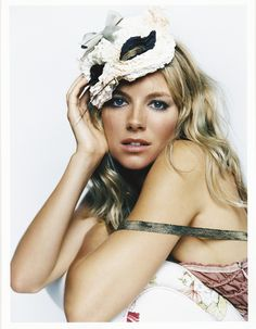 Sienna Miller media gallery on Coolspotters. See photos, videos, and links of Sienna Miller. Vogue Uk, Vogue Photo, Pretty People, Beautiful People, Beautiful Women, Gq, Sienna Miller Hair, Lise Charmel, Beauty And Fashion