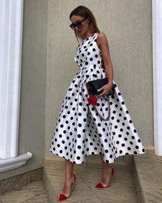 172 graceful casual dresses tips always look stylish – page 1 Polka Dot Maxi Dresses, Women's Dresses, Casual Dresses, Fashion Dresses, Skater Dresses, Polka Dot Outfit, Polka Dots, Polka Dot Fashion, Printed Dresses