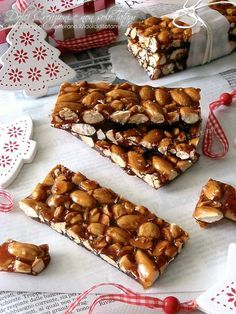 Croccante alle mandorle, ricetta facile Sweet Recipes, Cake Recipes, Dessert Recipes, Italian Biscuits, Delicious Desserts, Yummy Food, Italian Desserts, Almond Recipes, Christmas Baking