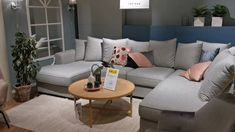 Corner sofa Design 2021 - Store Tour Living Room Inspiration, Furniture Inspiration, Corner Sofa Design, Outdoor Furniture, Outdoor Decor, Decorative Pillows, Couch, Store, Interior