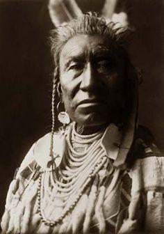 Native American Edward Curtis Apsaroke Fish Shows Native American Pictures, Native American History, Native American Indians, Native Americans, Ralph Mcquarrie, Norman Rockwell, Frank Frazetta, Tour Eiffel, Caricatures