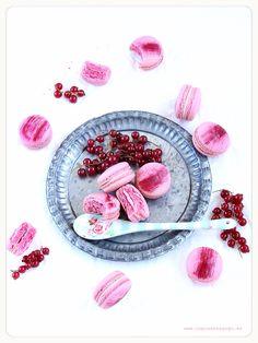 Perfect strawberry macarons