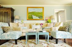 20 Living Rooms Blossoming with Florals | Home Design Lover