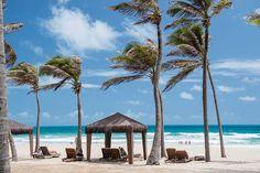 Praia de Porto das Dunas, em frente ao Oceani Beach Park Hotel, no Ceará. #Beach