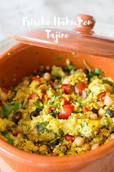Frische Tajine mit Hähnchen, Couscous, Kichererbsen und Rosinen
