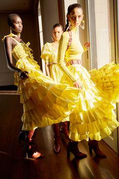 Ulla Johnson Pre-Fall 2020 Fashion Show Collection: See the complete Ulla Johnson Pre-Fall 2020 collection. Look 9 Vogue Fashion, Fashion Week, Fashion 2020, Trendy Fashion, Knit Fashion, Woman Fashion, Photography Women, Fashion Photography, Spring Photography